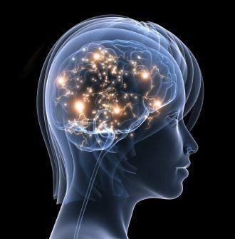 Kopf Röntgenbild zeigt goldene Synapsen im Gehirn, das Suchtzentrum eines Rauchers nach einer Rauchfrei Hypnosetherapie
